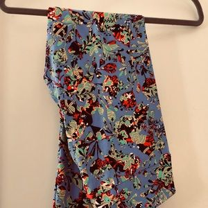 LuLaRoe Leggings, Tall and Curvy (TC) is the size